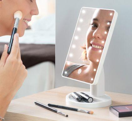 Namizno kozmetično ogledalo z LED lučkami