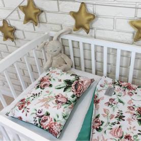 topla žametna odejica za dojenčke velvet rožice